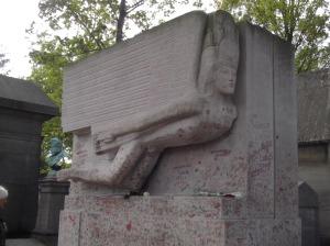 oscar wild tomb